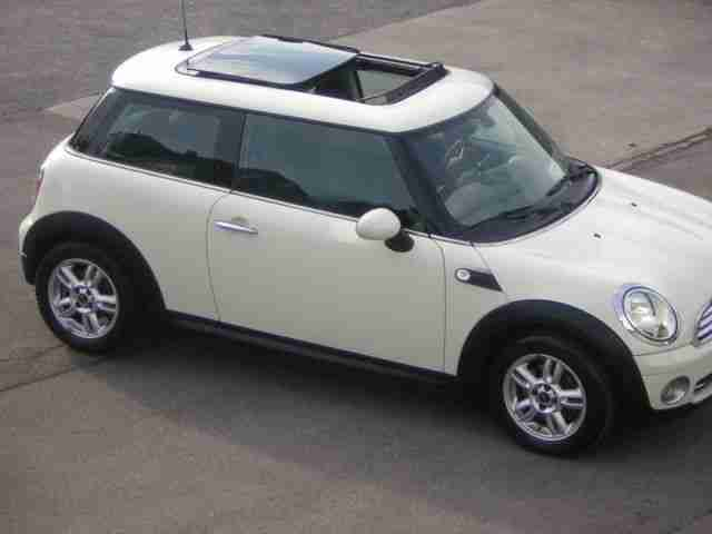 MINI ONE Exclusiv M 2010 Panorama