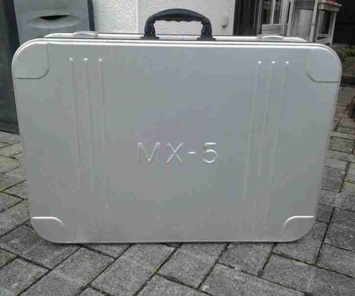 mx 5 aluminiumkoffer beste gebrauchtwagen mazda f r sie. Black Bedroom Furniture Sets. Home Design Ideas