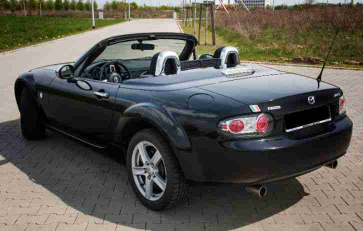 mazda mx 5 cabrio roadster schwarz beste gebrauchtwagen. Black Bedroom Furniture Sets. Home Design Ideas