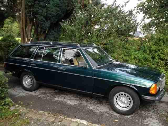 mercedes benz 300 td turbo kombi w123 topseller oldtimer car group. Black Bedroom Furniture Sets. Home Design Ideas