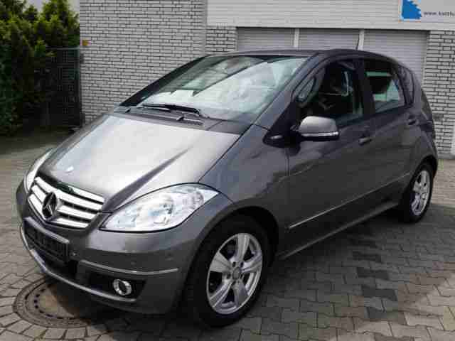 Mercedes-Benz A 160 BlueEFFICIENCY Avantgarde Parkassis