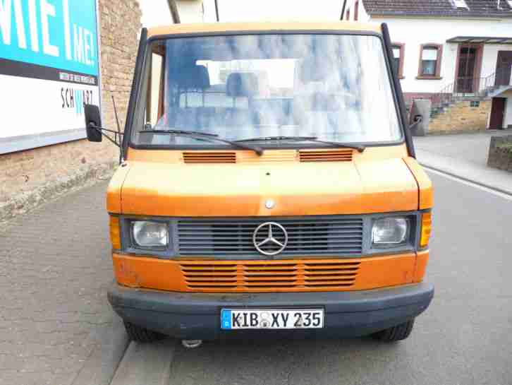 Mercedes Benz Transporter