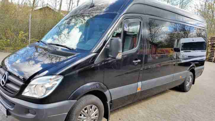 Mercedes Sprinter Bus 8 person