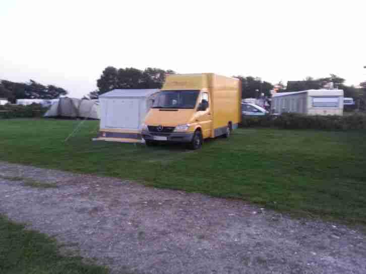 mercedes sprinter mit campingausbau ex dhl wohnwagen wohnmobile. Black Bedroom Furniture Sets. Home Design Ideas