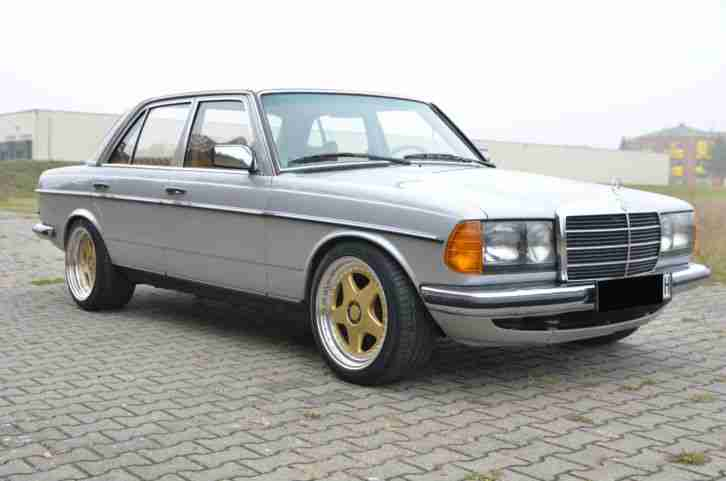 mercedes w123 280e airbag klima leder niveau 17 topseller oldtimer car group. Black Bedroom Furniture Sets. Home Design Ideas