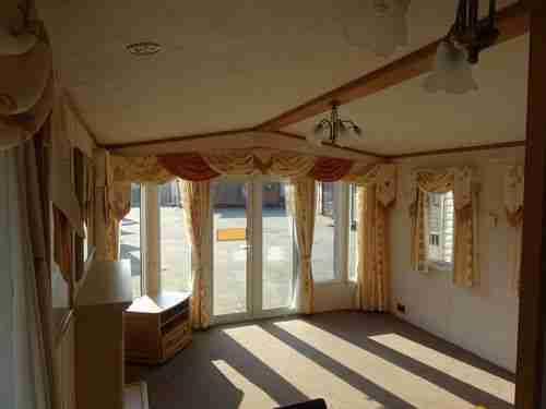 mobilheim winterfest wohnwagen wohnmobile. Black Bedroom Furniture Sets. Home Design Ideas