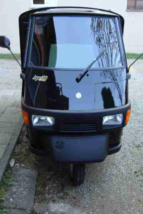 Nackte APE 50 top Kastenwagen in black