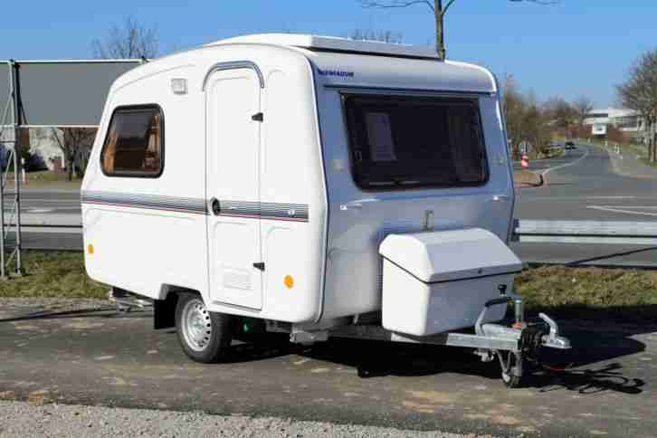 niewiadow wohnwagen 750kg gg camping wohnwagen wohnmobile. Black Bedroom Furniture Sets. Home Design Ideas