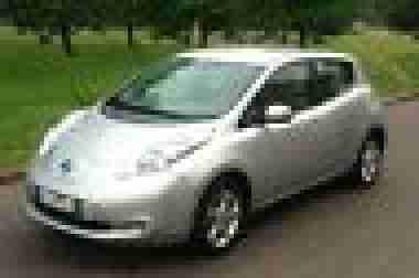 Nissan LEAF Elektro , Kamera, NAVI, MP3, LED,