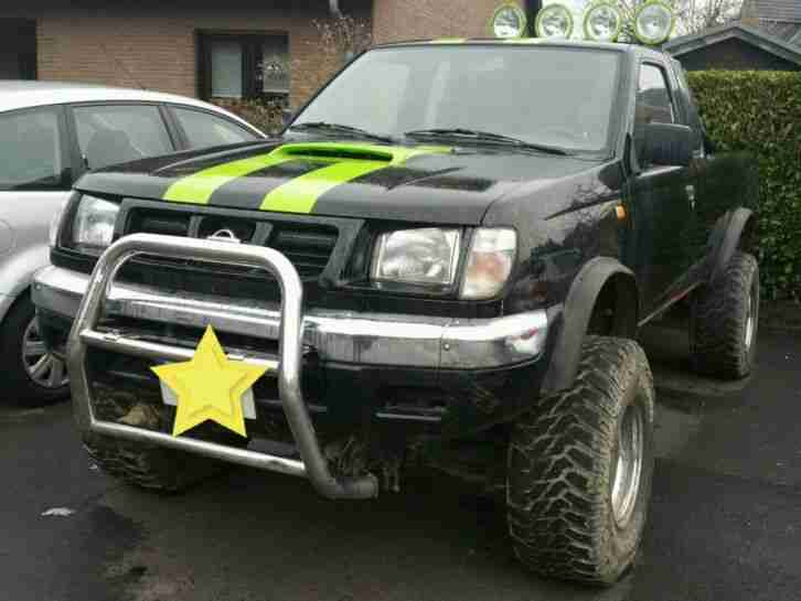 Nissan PickUp 4x4 Monster King Cab