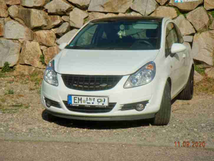 OPEL Corsa D Black u White Sonderedition 4 Zyl. 1, 2 Ltr 16 V