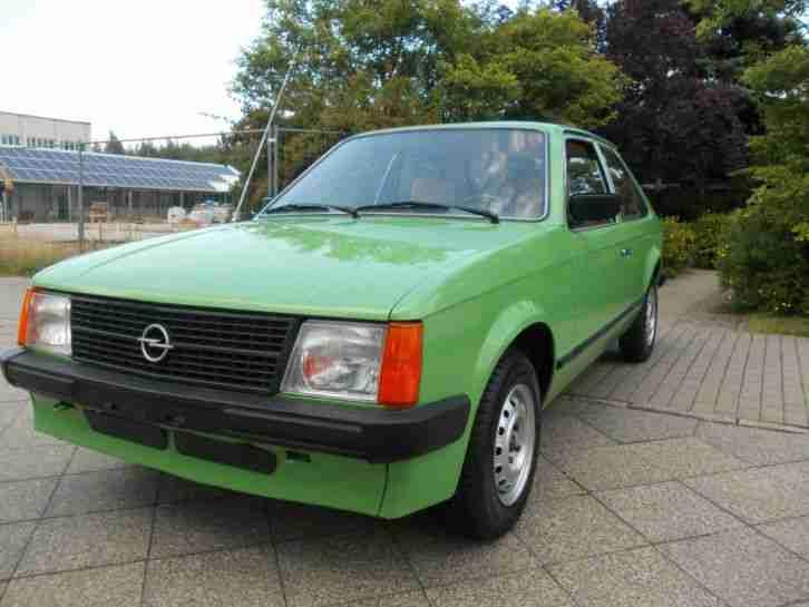 Opel kadett d 12s ersthand garage h die aktuellen for Garage opel paris 12