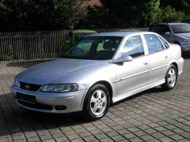 Opel Vectra B 1.8 16V Edition 100