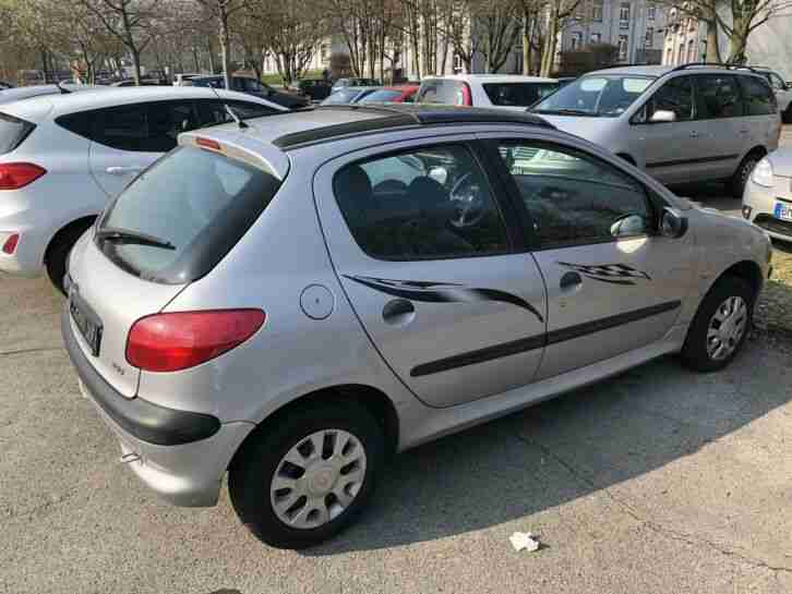 Peugeot 206 5 Türer Silber Panoramadach 8 fach bereift TOP viele neue Teile 1Tag