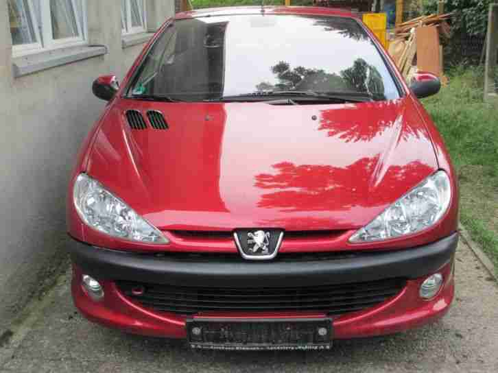 Peugeot 206 CC Cabrio Rot 1, 6 16V 109PS Automatik Guter Zustand
