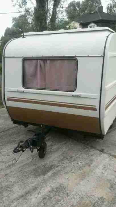 qek junior wohnwagen top zustand 100 km h wohnwagen. Black Bedroom Furniture Sets. Home Design Ideas