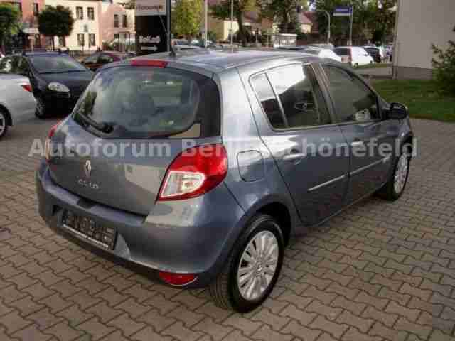 Renault Clio TCe 100 Night and Day---NAVIGATION---