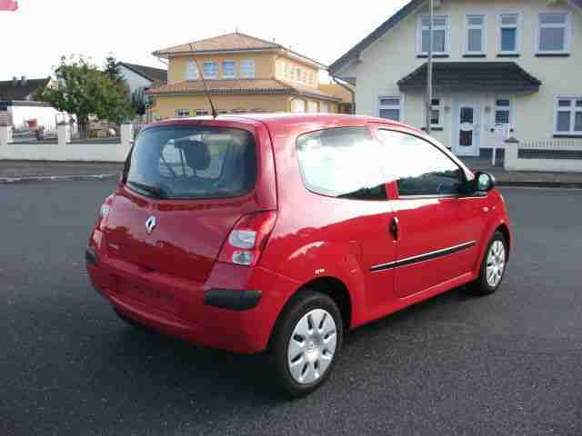 renault twingo 1 2 authentique tolle angebote in renault. Black Bedroom Furniture Sets. Home Design Ideas