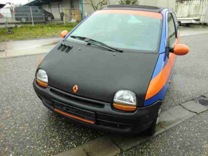Renault Twingo C06 blau orange Carbonfolierte