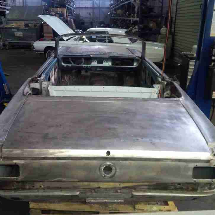 Rohkarosse Ford Mustang Convertible 1965, 1966 bodyshell