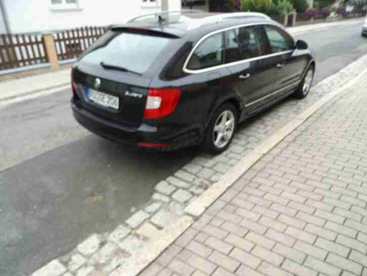 skoda superb kombi 2 0tdi 201ps eleganz tolle angebote in skoda. Black Bedroom Furniture Sets. Home Design Ideas