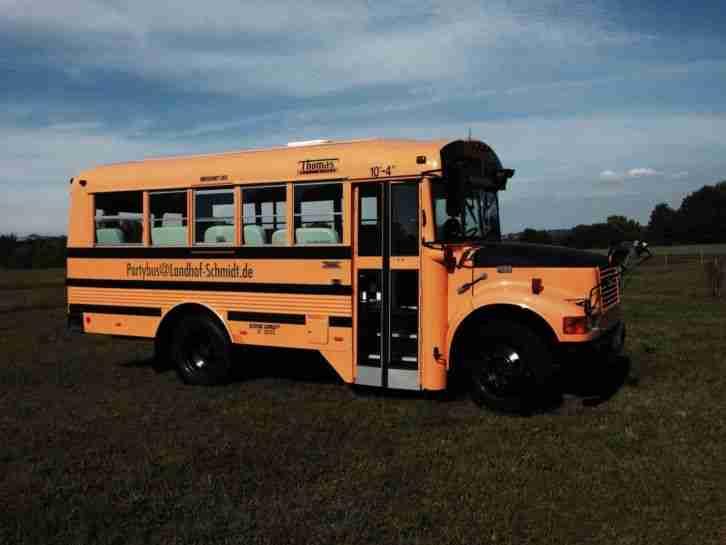 school bus partybus mit 15 sitzpl tzen u t v die besten angebote amerikanischen autos. Black Bedroom Furniture Sets. Home Design Ideas