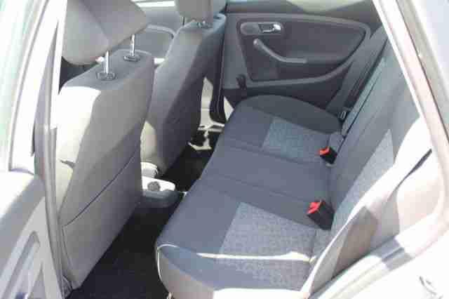 seat ibiza 1 4 16v klima auto tempomat aux autos f r. Black Bedroom Furniture Sets. Home Design Ideas