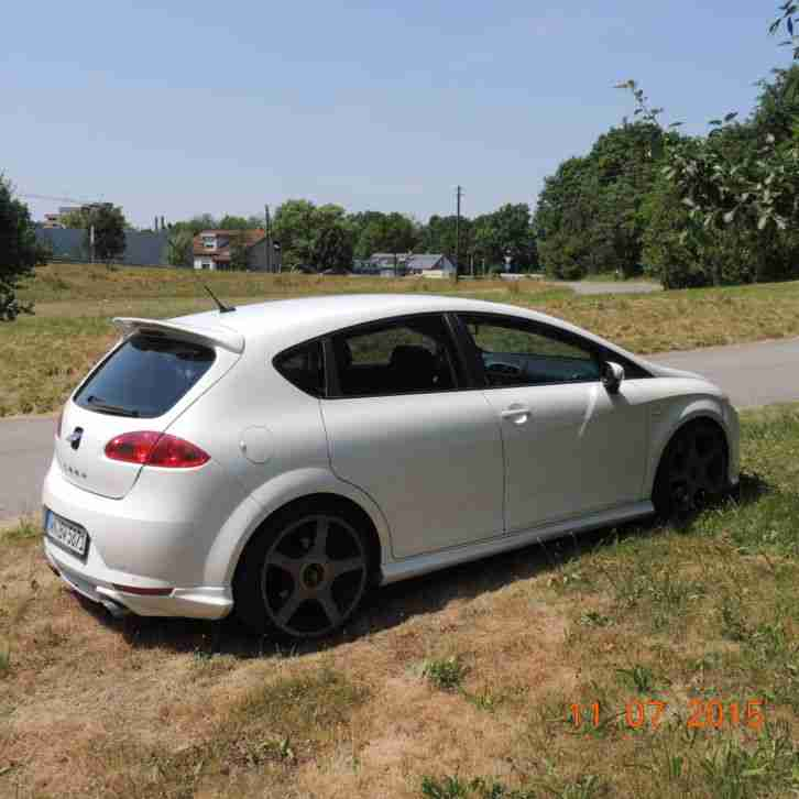 seat leon cupra r abt wei mit 199 kw 270 ps autos f r. Black Bedroom Furniture Sets. Home Design Ideas