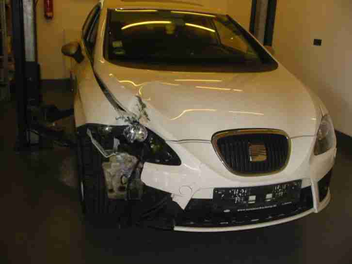 seat leon fr 1 9 tdi unfall autos f r verkauf marke seat. Black Bedroom Furniture Sets. Home Design Ideas
