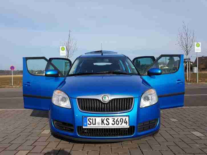 skoda roomster 1 2 in ocean blue metallic tolle angebote in skoda. Black Bedroom Furniture Sets. Home Design Ideas