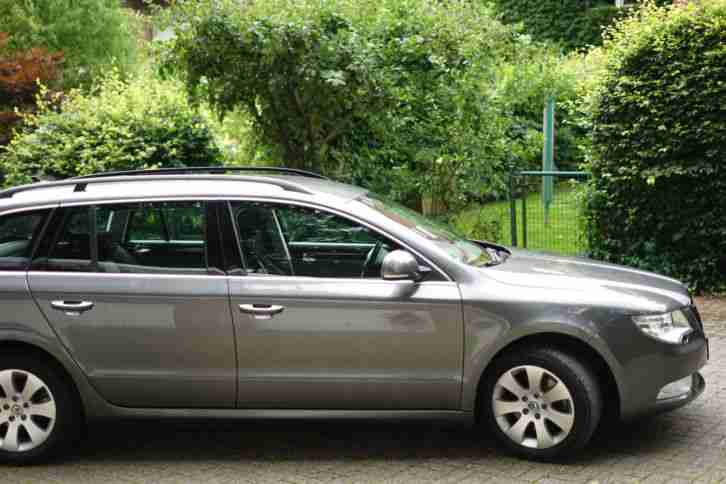 Skoda Superb Combi 2. 0 TDI, 10 2011