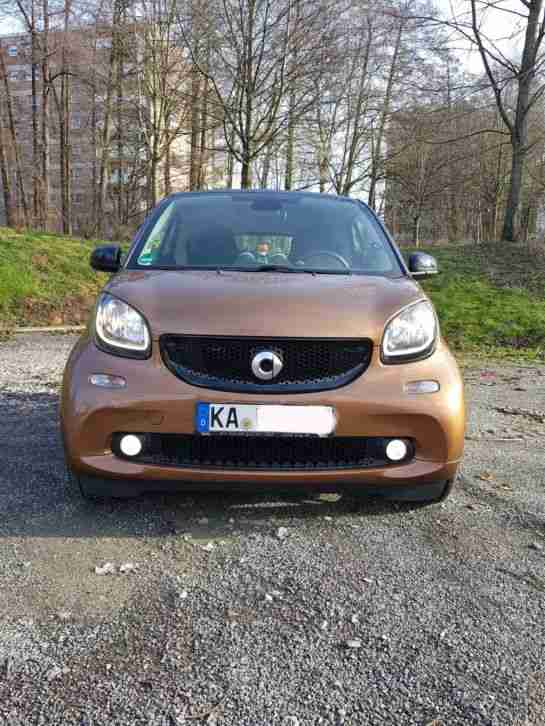 Smart ForTwo in Hazel brown Schwarz (66kw 90hp)