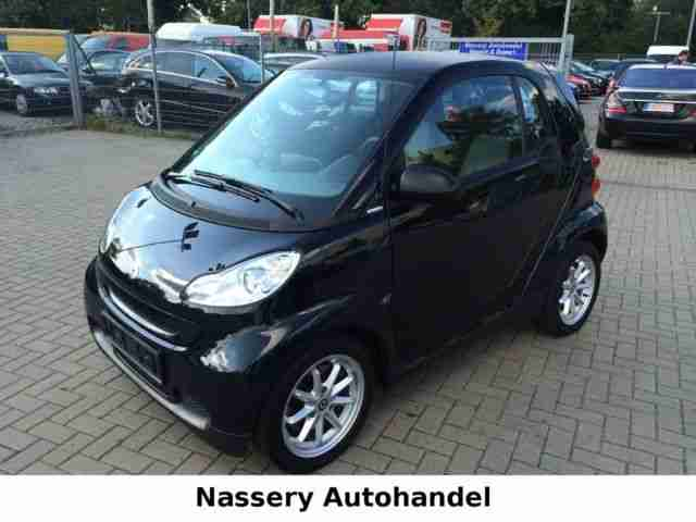 Smart fortwo black&limited*ALU*KLIMA*TüV NEU*71PS*TOP!