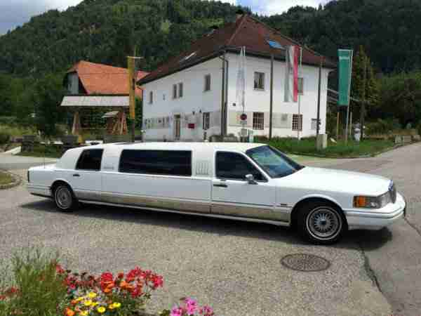 Stretchlimousine Stretch Limo Lincoln Town Car US V8