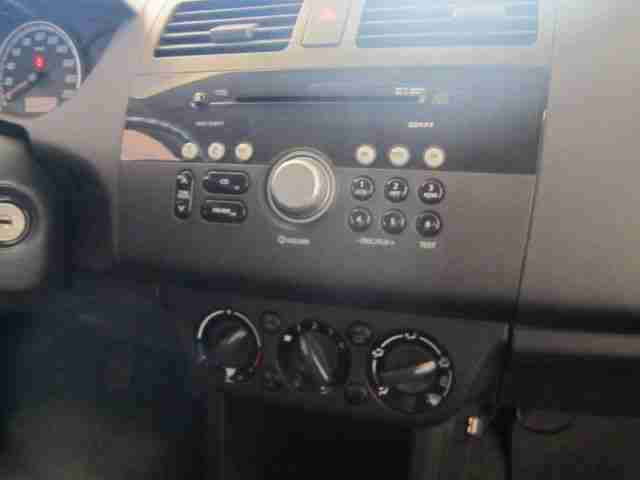 Suzuki Swift 1.3 Club+Klimaanlage+Radio CD+LMR+uvm