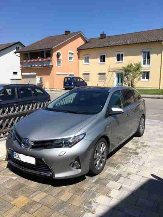 Auris Touringsports Hybrid Executive , absolute
