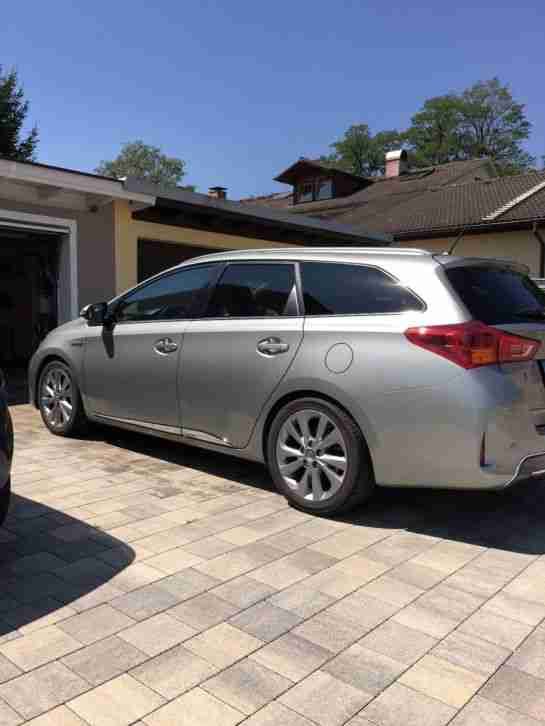 Toyota Auris Touringsports Hybrid Executive+, absolute Vollausstattung incl. WR