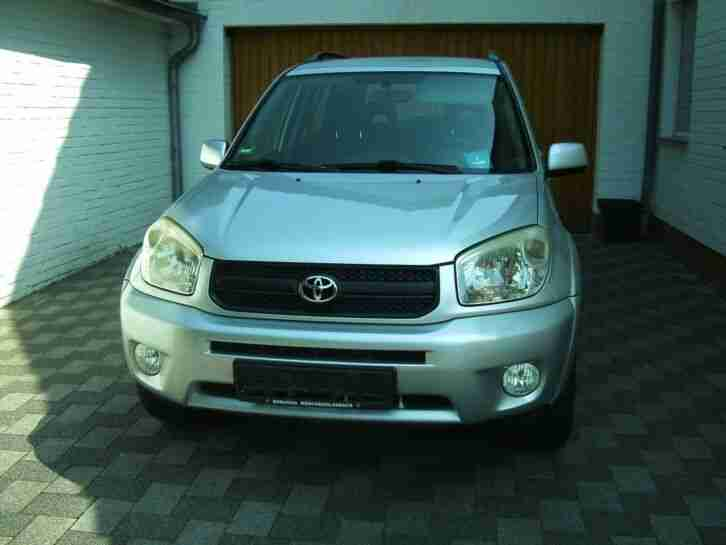 Avensis 2, 0 D Executive AHK, Navi, Pano ,