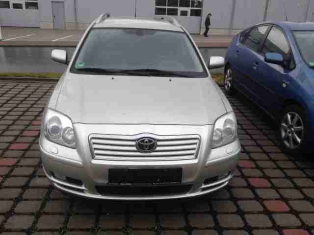 Avensis 2.2 D CAT Combi Executive