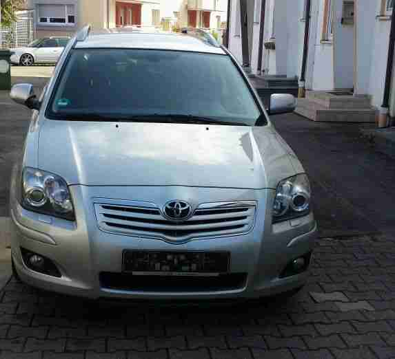 Toyota Avensis Exekutive 1.8VVT Bj.07 120PS