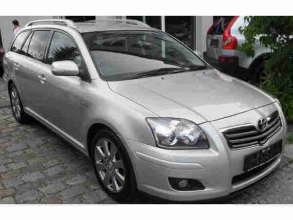 Avensis Kombi 2.2 D CAT Travel