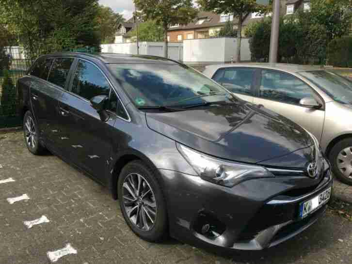 Toyota Avensis TouringSports 1.6D 4D BusinessEdition SafetySense Leder PanoramaD