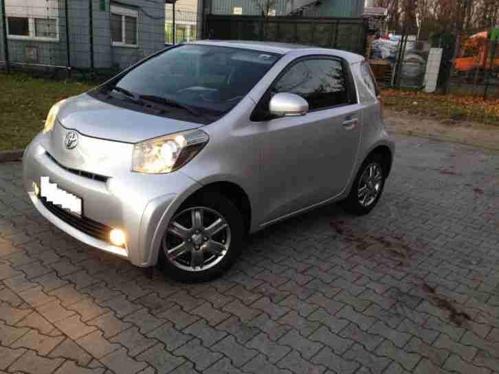 toyota iq 1 0 multidrive keyless entry go navi tolle. Black Bedroom Furniture Sets. Home Design Ideas