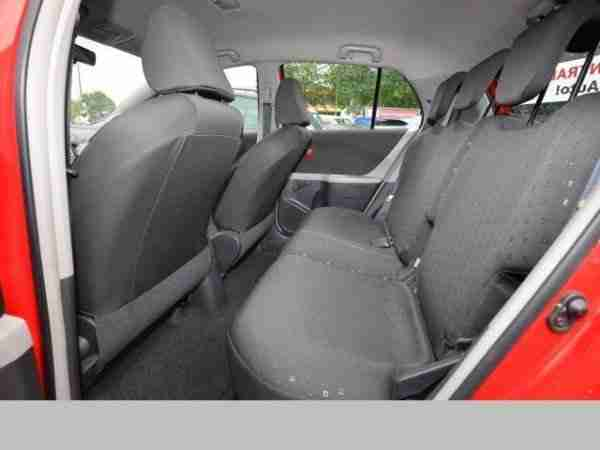 toyota yaris 1 0 klima navi 5 t rer tolle angebote in. Black Bedroom Furniture Sets. Home Design Ideas