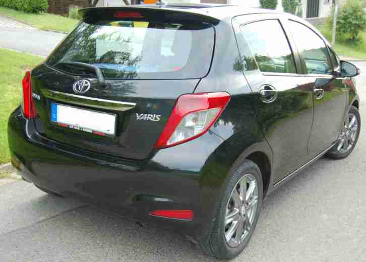toyota yaris club 5t rig 99ps ca 35000km 1 tolle. Black Bedroom Furniture Sets. Home Design Ideas