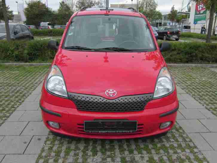 toyota yaris verso 1 3 t v au neu 125000 km tolle angebote in toyota. Black Bedroom Furniture Sets. Home Design Ideas