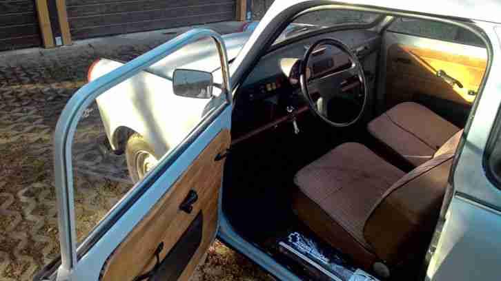 trabant 601 limo mit t v angebote gebrauchtwagen trabant. Black Bedroom Furniture Sets. Home Design Ideas
