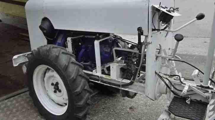 traktor schlepper zugmaschine super eigenbau. Black Bedroom Furniture Sets. Home Design Ideas