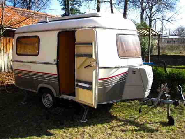 wohnwagen gebrauchtwagen alle wohnwagen hubdach g nstig. Black Bedroom Furniture Sets. Home Design Ideas