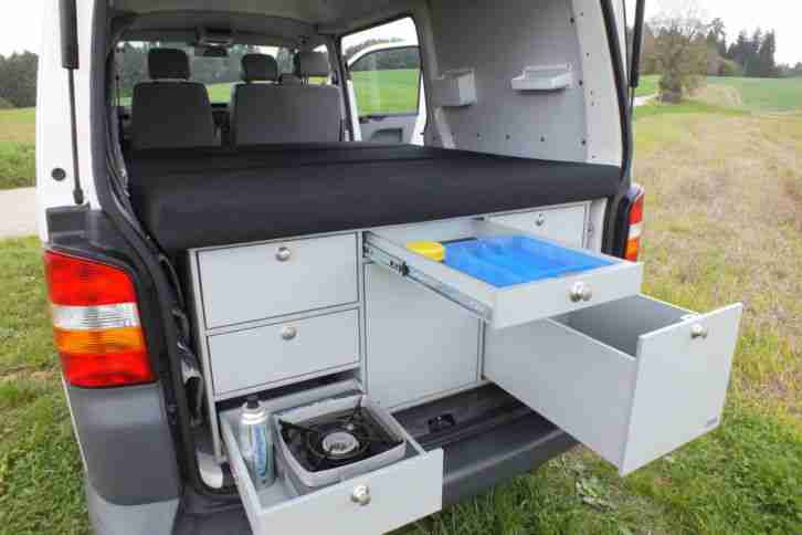 vw t5 transporter mit flexiblem campingausbau wohnwagen. Black Bedroom Furniture Sets. Home Design Ideas